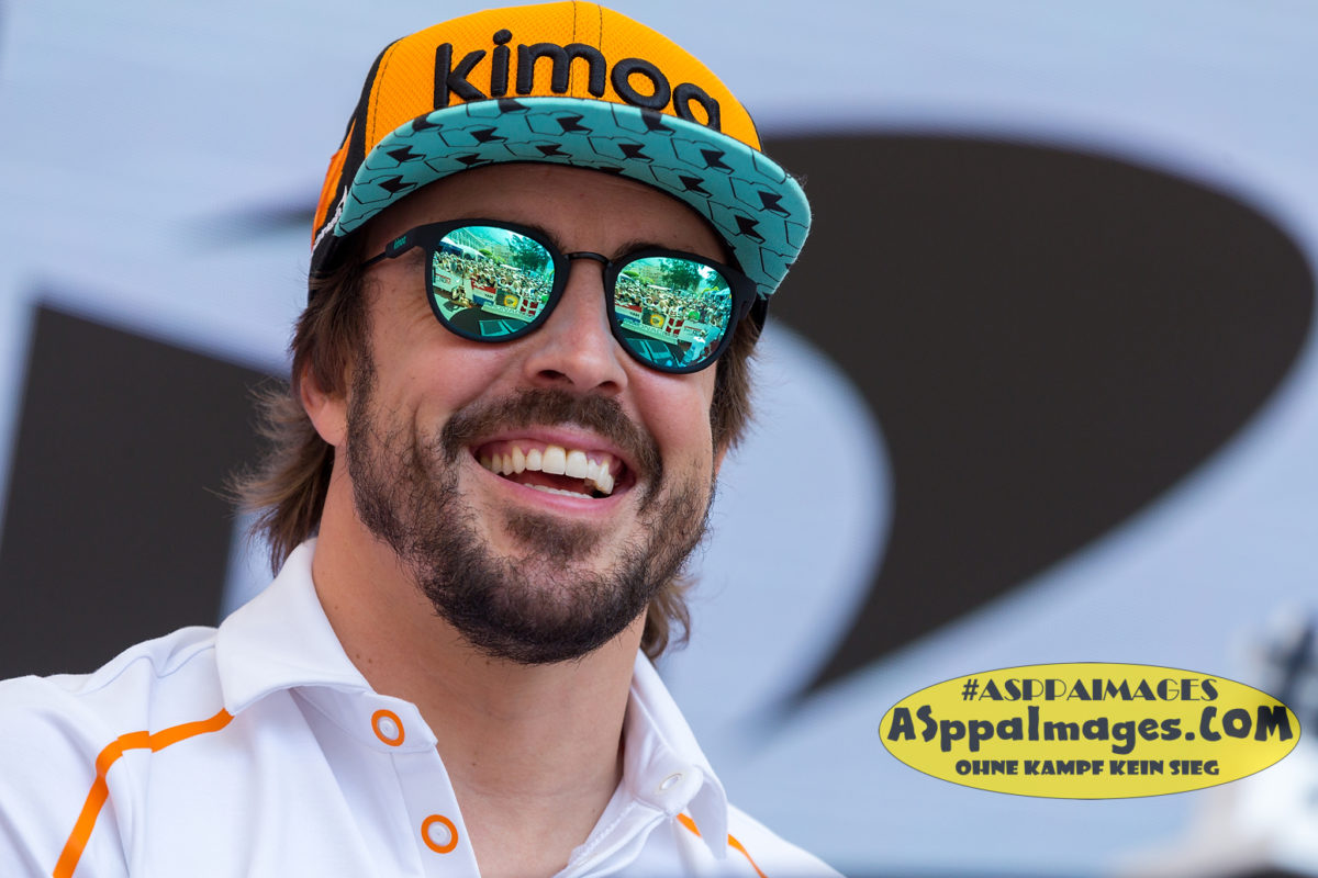 "#14 Fernando ""Samurai"" Alonso, #2 Stoffel Vandorne, McLaren F1 Team, Monaco GP 2018 – Fan Zone Autograph Session 
