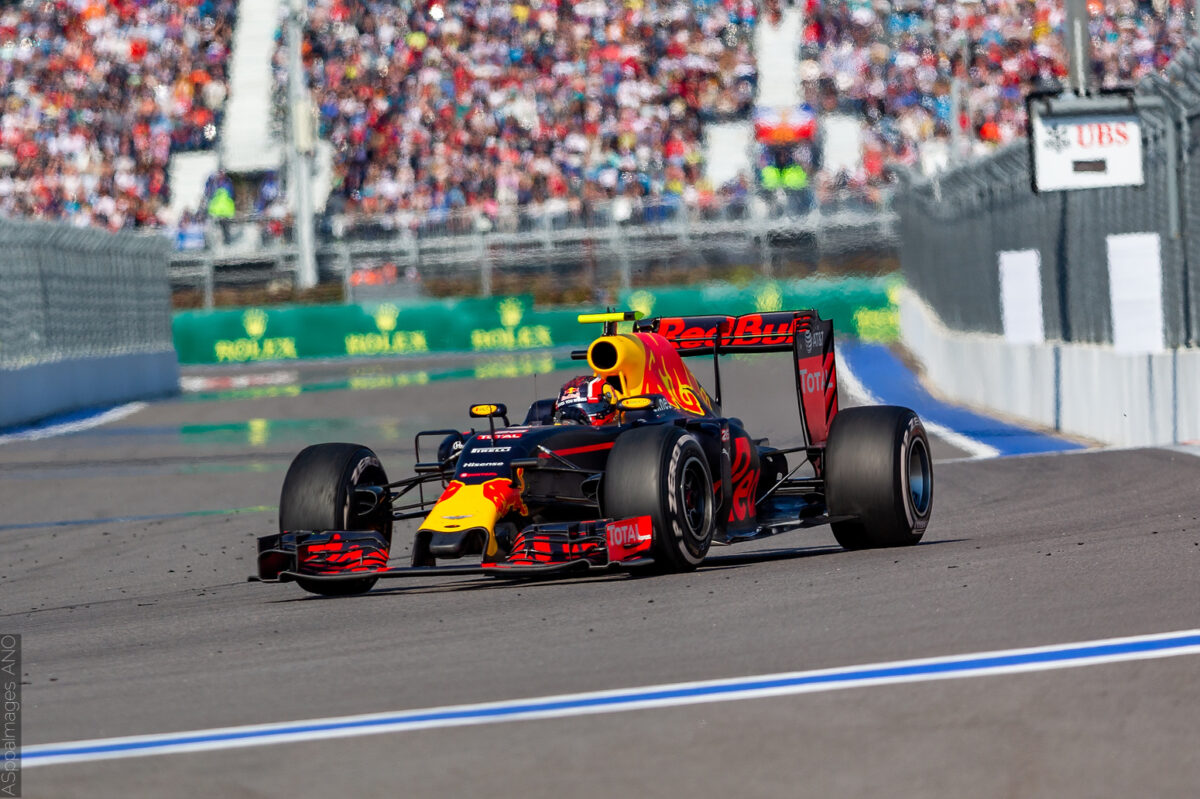 1589.2016.Formula1.Round.4.RussianGP.Sochi.Sunday.May.1.Race.ASppaImages.com by .