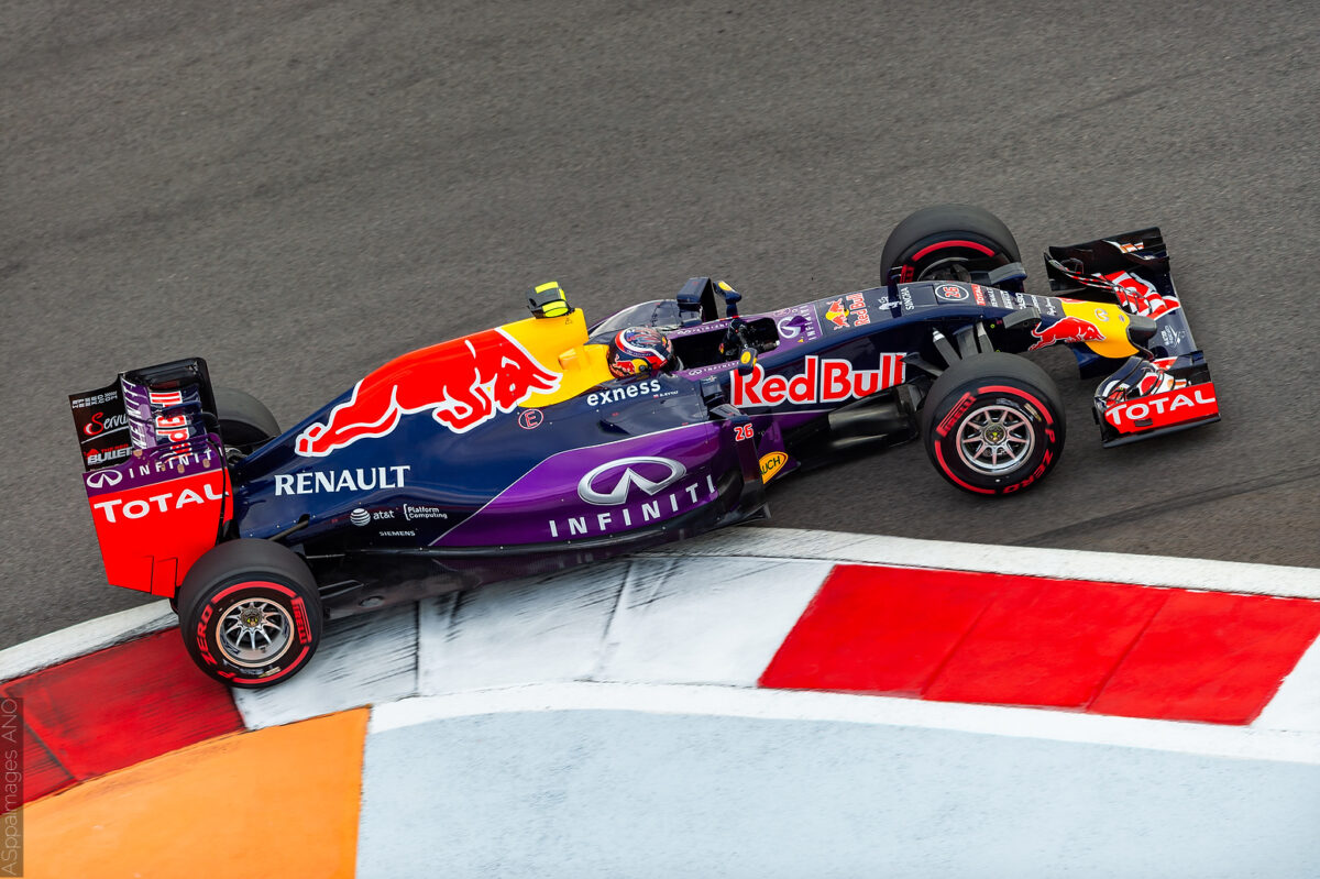 2015.Formula1.Round.15.Russia.Sochi.Autodrom.Red.Bull.Racing.Hi-Res.ASppa.Images.COM-11 by .