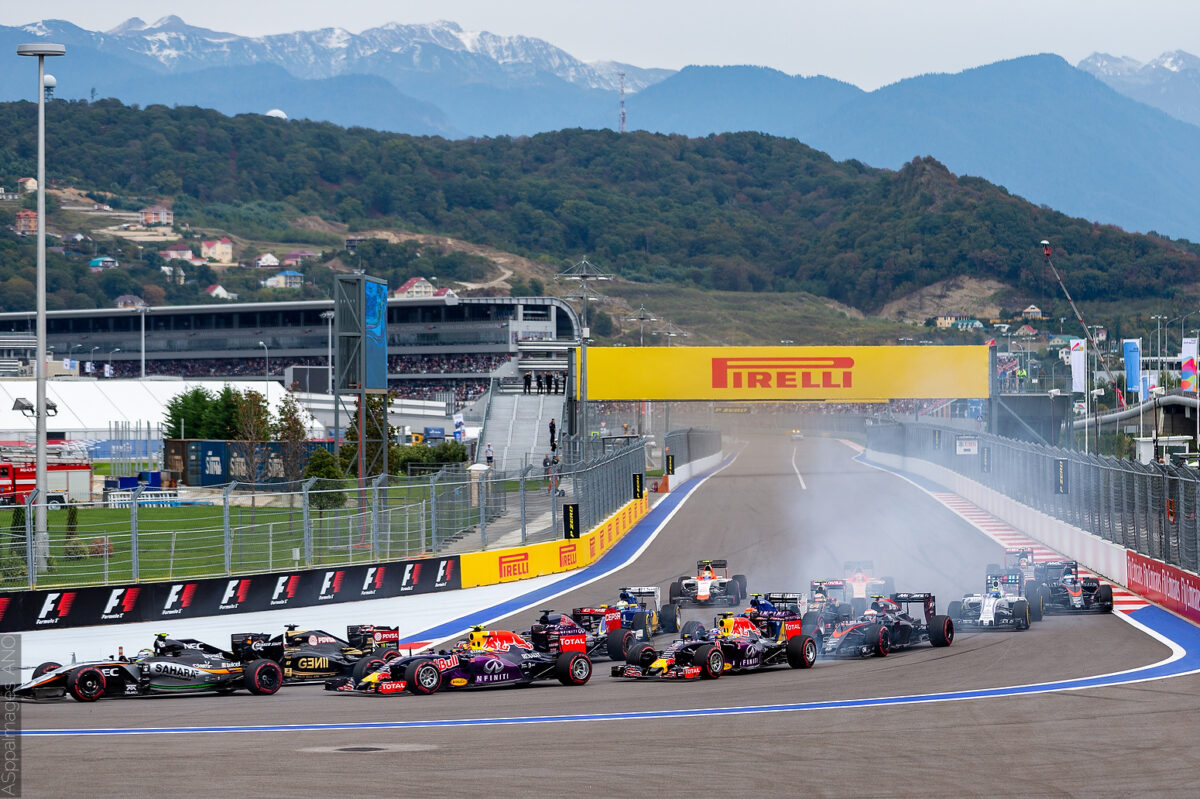 2015.Formula1.Round.15.Russia.Sochi.Autodrom.Red.Bull.Racing.Hi-Res.ASppa.Images.COM-87 by .